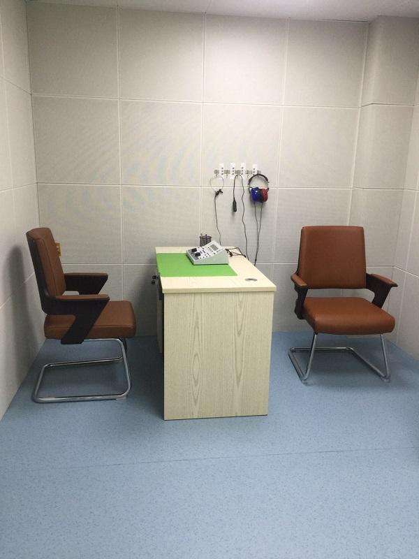 耳医生听力青岛市立医院助听器验配中心测听室
